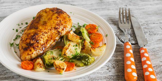 Куриное филе с паприкой и орегано в духовке