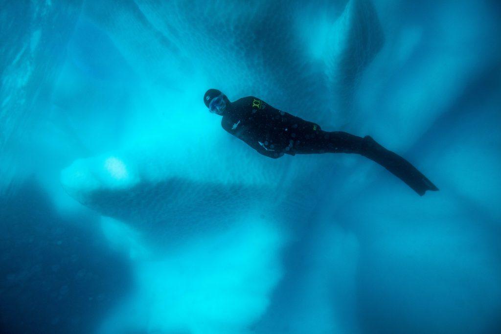 Фридайвер в Антарктике