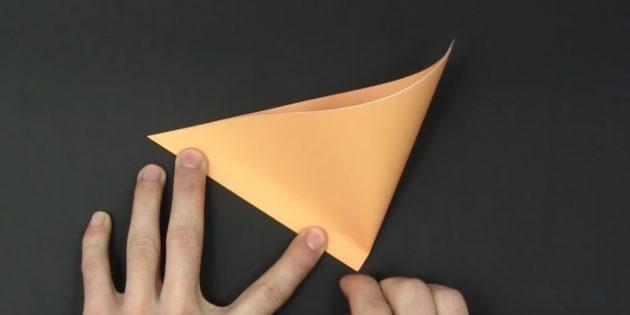 как вырезать снежинки из бумаги: сделайте отметку