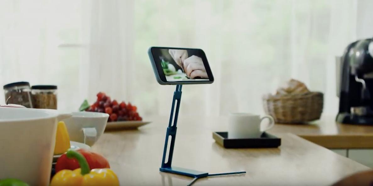Штука дня: Lookstand — подставка для смартфона, монопод и штатив у вас в кармане