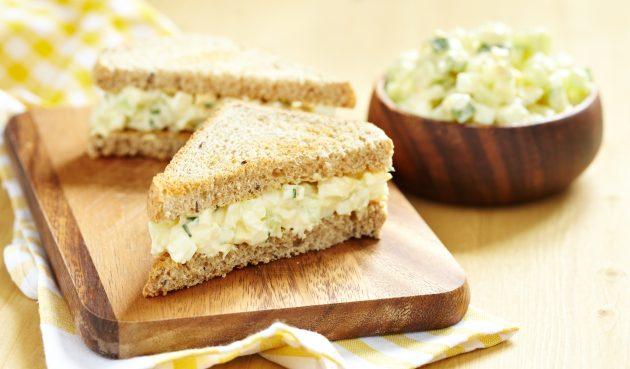 Британский сэндвич с огурцом и яйцом