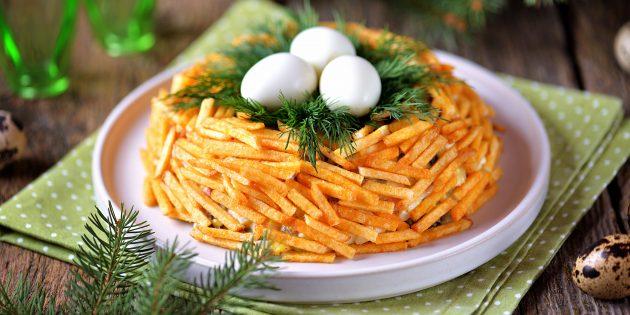 Рецепты: салат «Гнездо глухаря» с сыром, огурцами и болгарским перцем