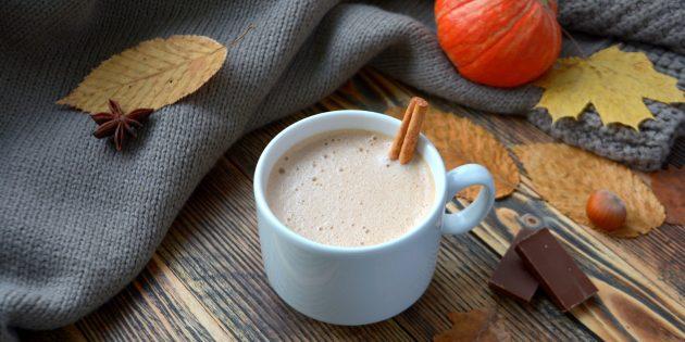 Белый горячий шоколад с тыквой