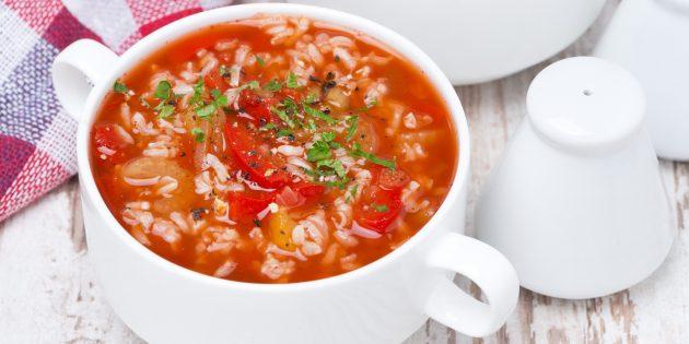 Томатный суп с говядиной, рисом и болгарским перцем