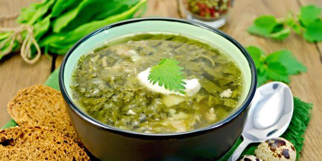 Витаминный суп с капустой и крапивой