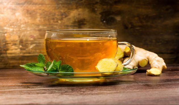 Имбирный чай с мятой, кардамоном и корицей