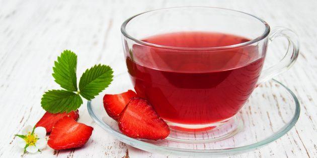 Ягодный чай с черникой, голубикой, клубникой и земляникой