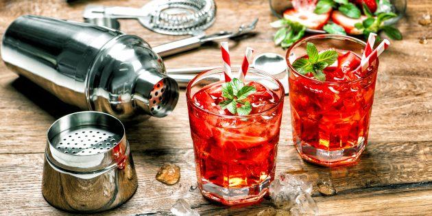 Алкогольный коктейль «Клубничный соблазн»