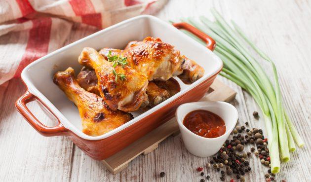 Курица в духовке, маринованная с корицей, горчицей и чесноком