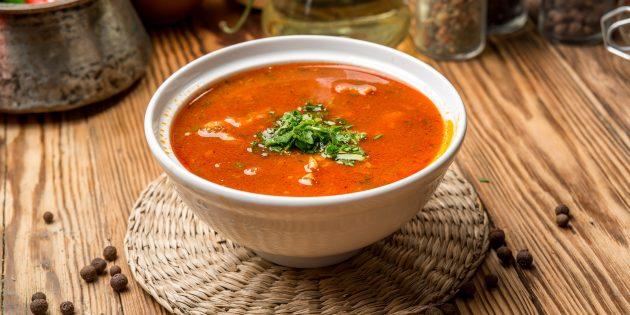 Томатный суп с куриной печенью и тимьяном