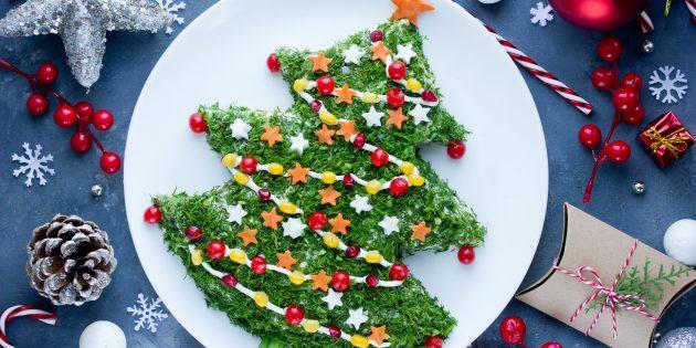 Салат «Новогодняя ёлка» с курицей и кукурузой: простой рецепт