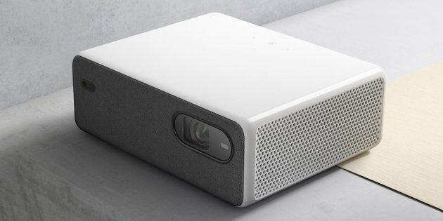 Xiaomi анонсировала лазерный проектор с поддержкой 8K. Он заменит 150-дюймовый телевизор