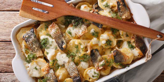 Как приготовить рыбу в духовке: сельдь с картошкой и сыром