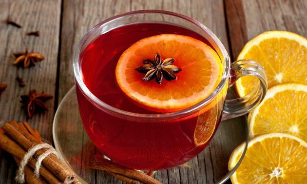 Безалкогольный пунш с апельсином и клюквой
