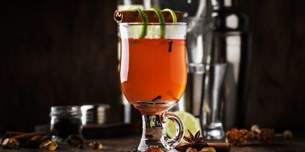Грог с ромом, чаем и пряностями: простой рецепт