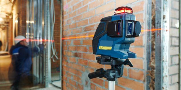 Как пользоваться лазерным уровнем: один из вариантов компактного построителя