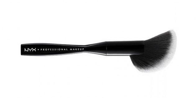 Профессиональная кисть для нанесения пудры Face & Body Brush