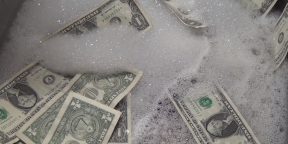 Лайфхак: что делать, если постирал деньги в стиральной машине