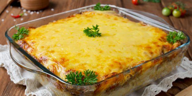 Горбуша в духовке с картошкой и опятами: простой рецепт
