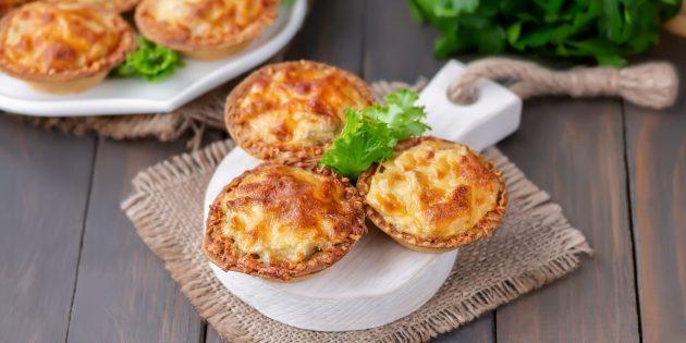 Вкусные закуски на праздничный стол: Тарталетки с крабовым мясом и сыром