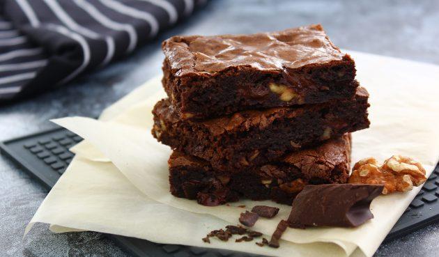 Брауни с грецкими орехами и шоколадом
