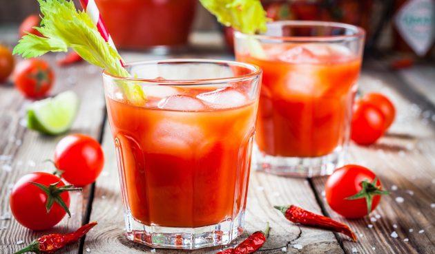 Безалкогольная «Кровавая Мэри» с табаско и лимонным соком