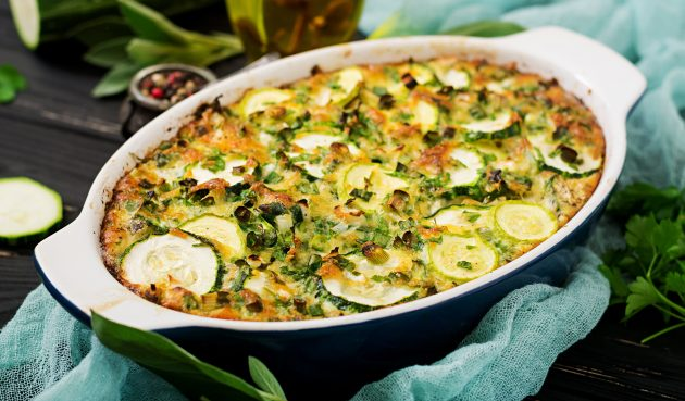 Запеканка из картофеля и кабачков с козьим сыром и пармезаном