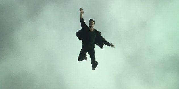 Знаменитый прыжок Нео в новых кадрах со съёмок «Матрицы 4»