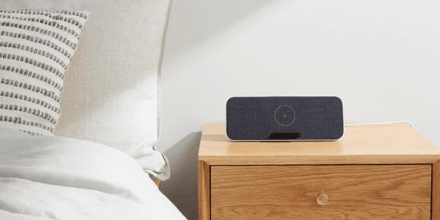 Xiaomi представила новую Bluetooth-колонку. Она умеет заряжать гаджеты без проводов