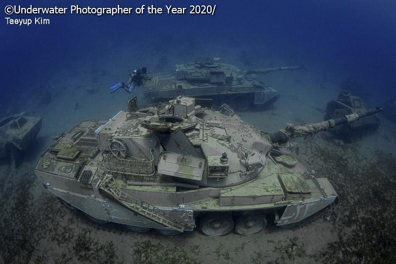 танки под водой