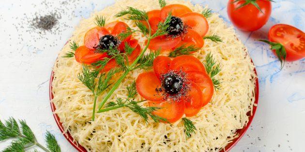 Как приготовить праздничный салат «Маки» с курицей и шампиньонами