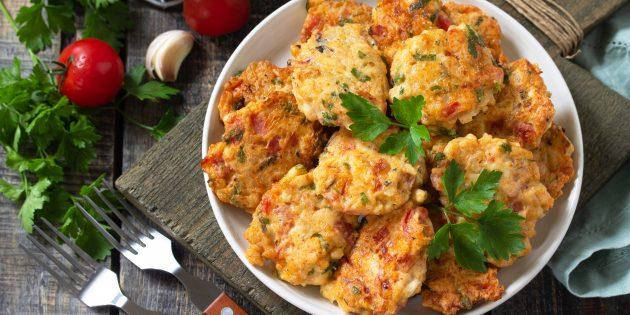 Куриные котлеты, рубленные с помидорами и перцем: простой рецепт