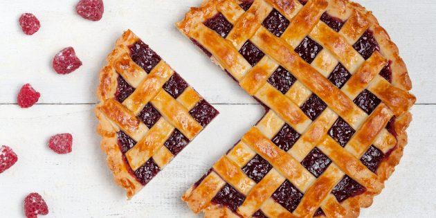 Творожный пирог с вареньем: простой рецепт