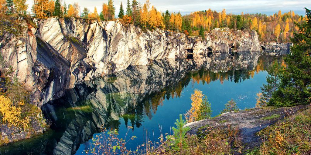 Удивительные места России: Рускеала (Республика Карелия)