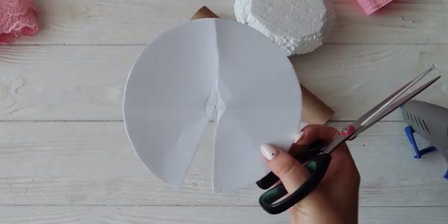 Как сделать букет из конфет: сделайте картонную заготовку