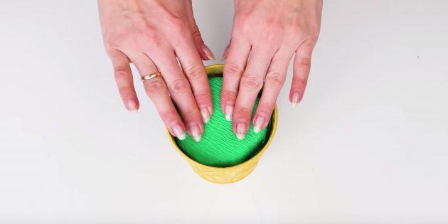 Букет из конфет своими руками: подготовьте кашпо