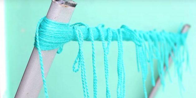 Как делать помпон: перевяжите нитки в других местах