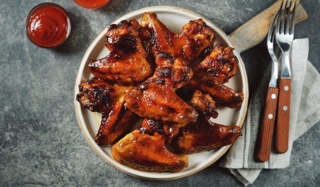 Куриные крылья в медово-соевом маринаде