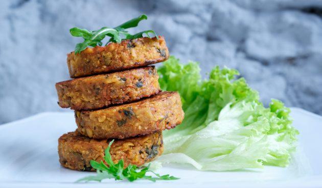 Овощные котлеты с тофу и имбирём