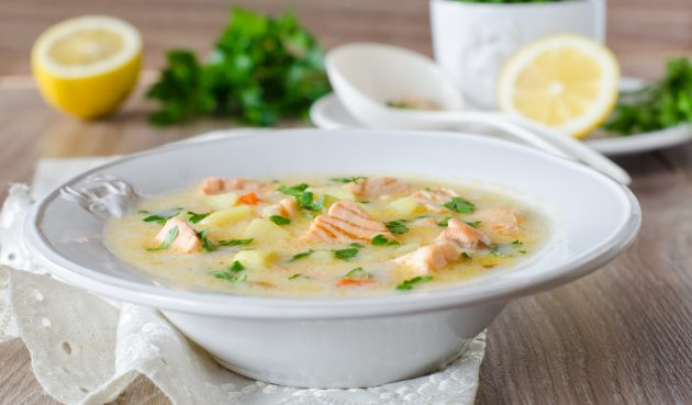 Суп из рыбных консервов с сыром