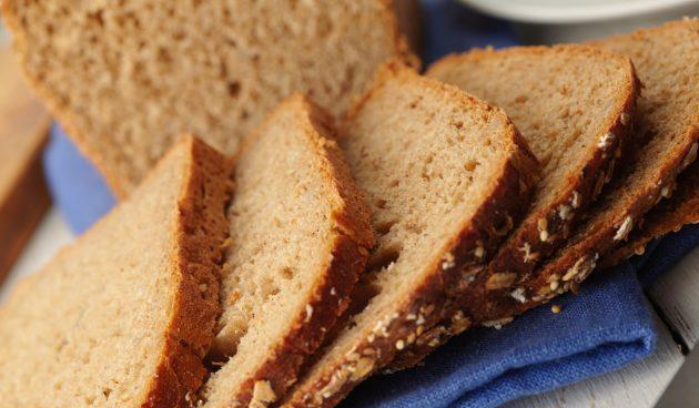 Ржаной хлеб с шоколадом, мёдом и тмином в хлебопечке
