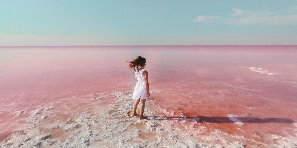 Удивительные места России: розовое озеро Бурлинское на Алтае