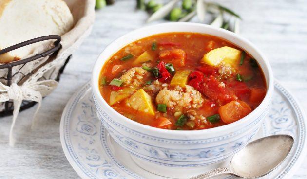 Суп с кабачками, баклажанами и цветной капустой