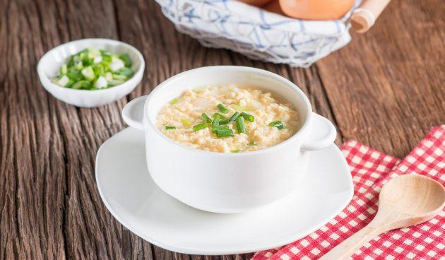 Лёгкий суп с яйцом и сметаной