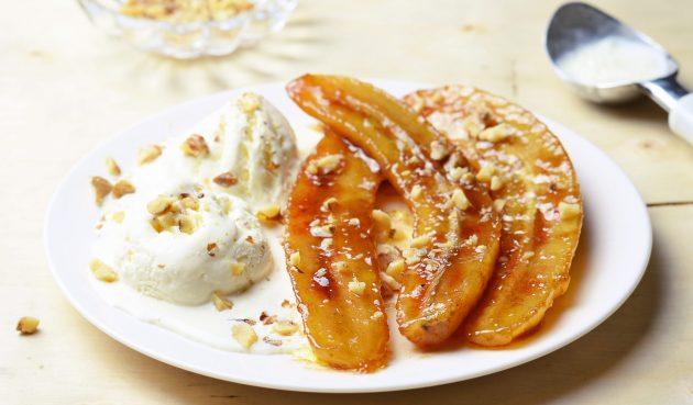 Жареные бананы в сахарной карамели