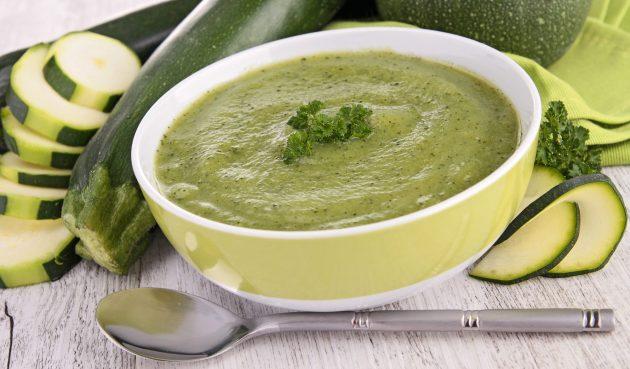 Суп-пюре из кабачков с молоком и творогом