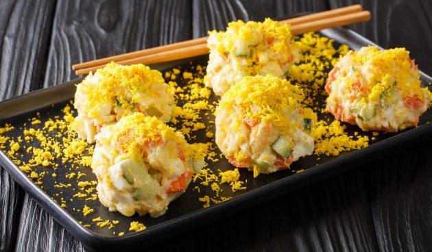Картофельный салат с яйцами в корейском стиле