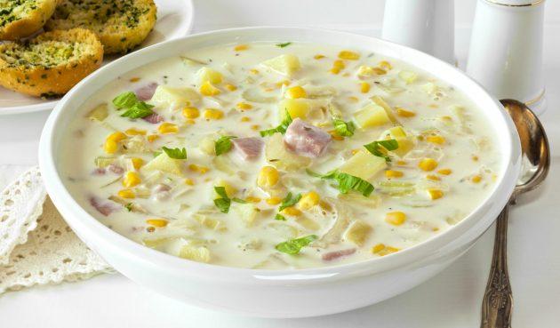 Кукурузный суп с беконом и сливками
