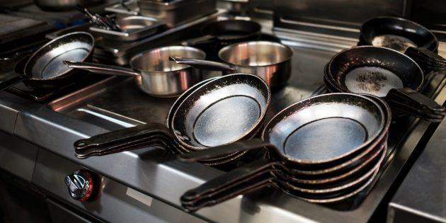 Порядок на кухне: выбросьте испорченную посуду
