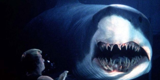 Фильмы про акул: «Глубокое синее море»